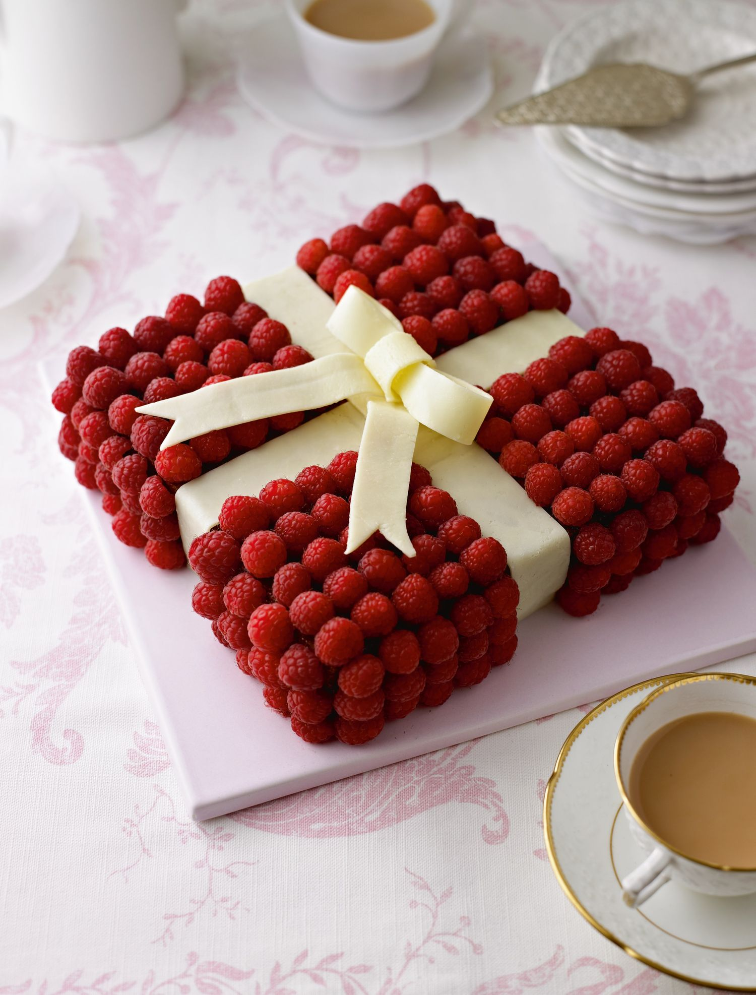 Wrapped Christmas Cake In Baking Paper